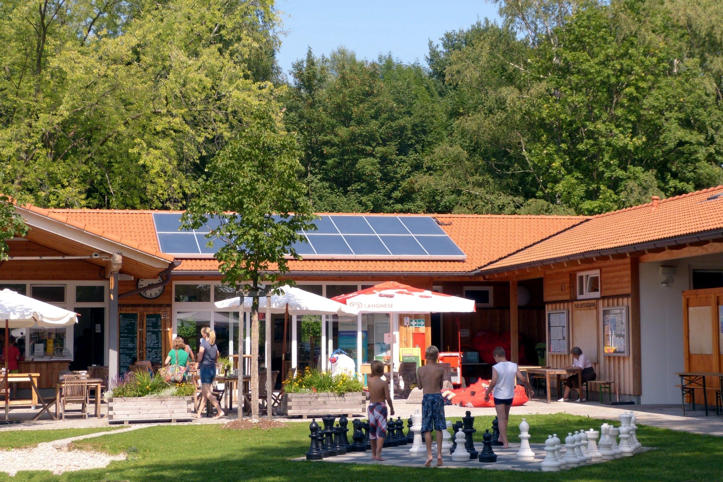 32 m² Aufdachkollektor im Naturbad Furth