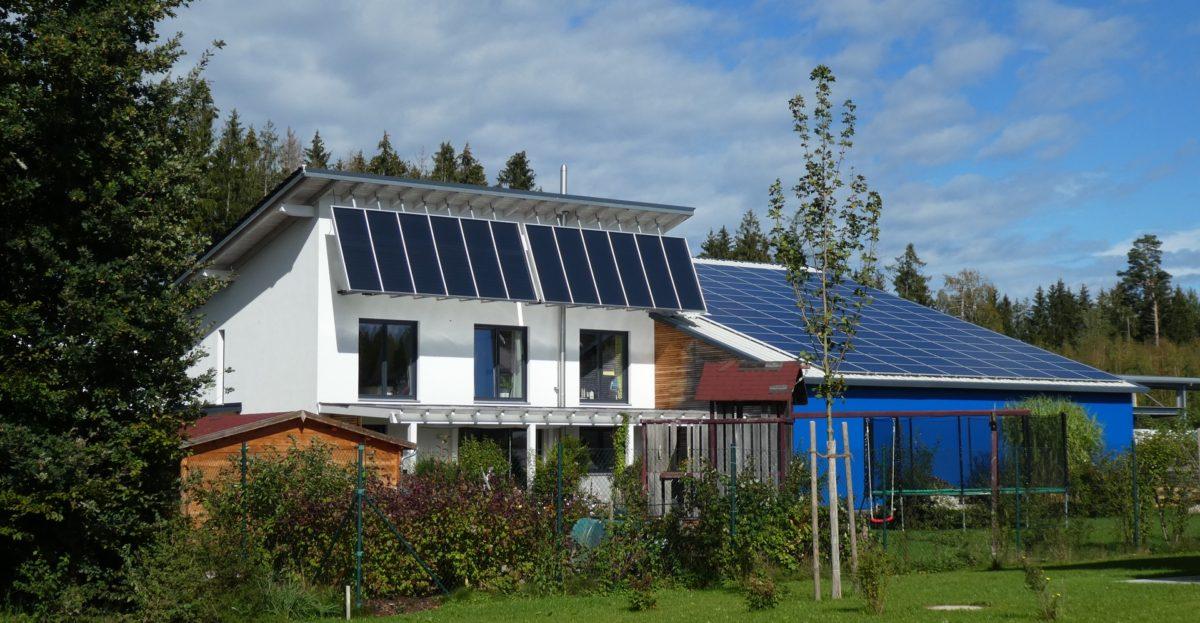 Energiedepesche 2/2019 mit großem Themenblock Solarthermie